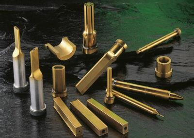 HoFe-Werkzeugtechnik-Beschichtung-Coating-TIN-TICN-TICTIN-DLC-Aluminium-abgesetzt-Stamping-Stanzen-Die-Button-Schneidbuchse-Bund-Ejector-Auswerfer-Alcrona-Flat